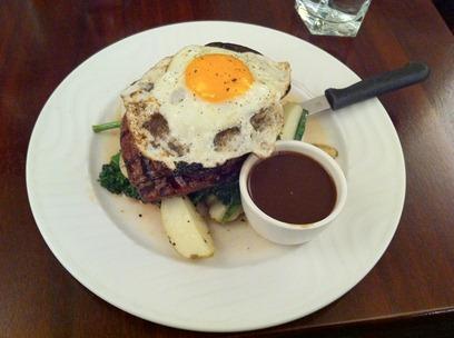 egg-steak-mash-redwinjus